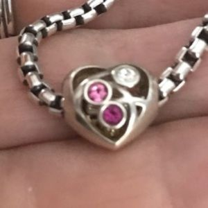 Chamilla heart charm 3 stone